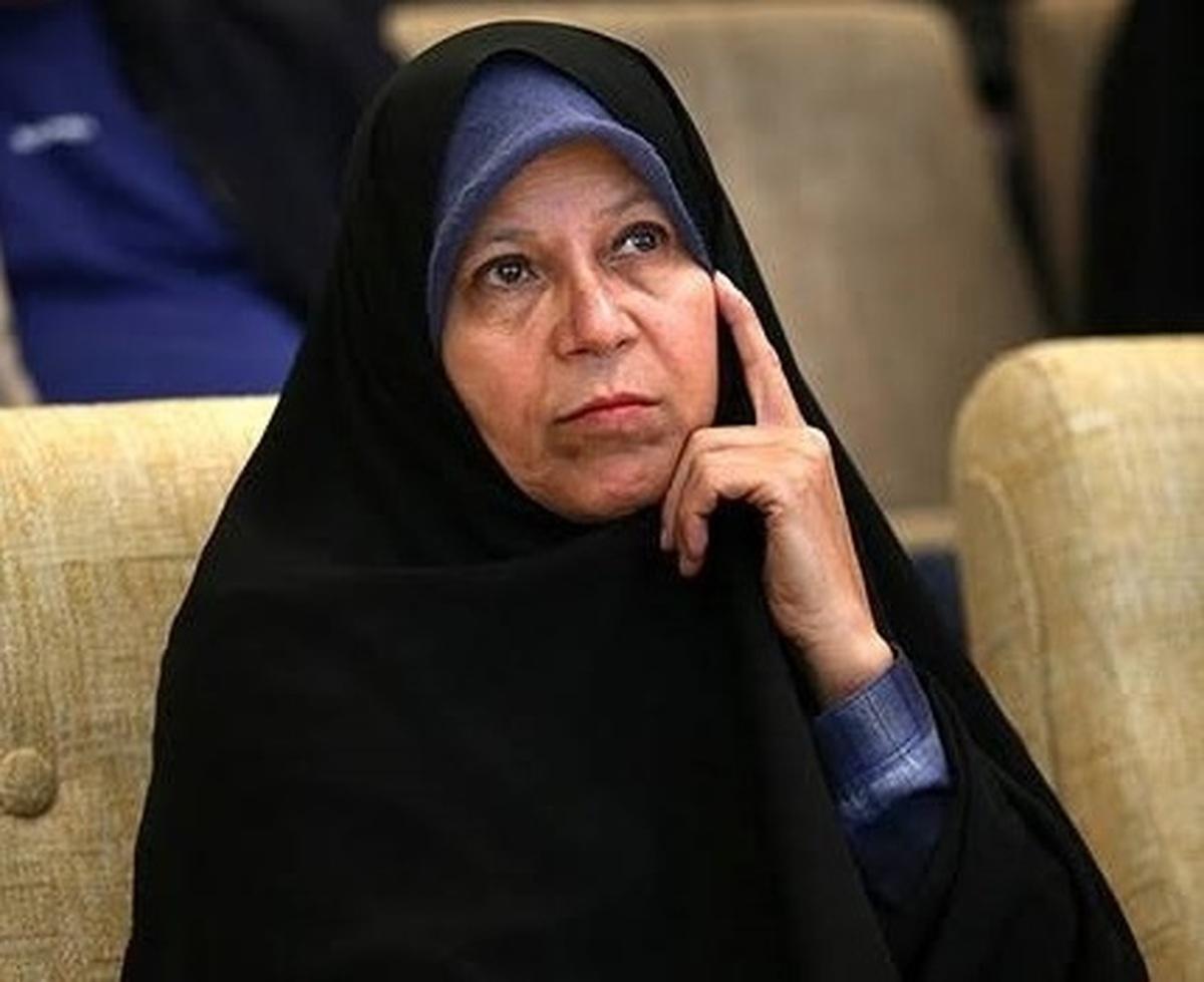 فائزه هاشمی: امام خمینی تاکید فراوان داشته اند که نظامیان وارد دسته بندیهای سیاسی نشوند
