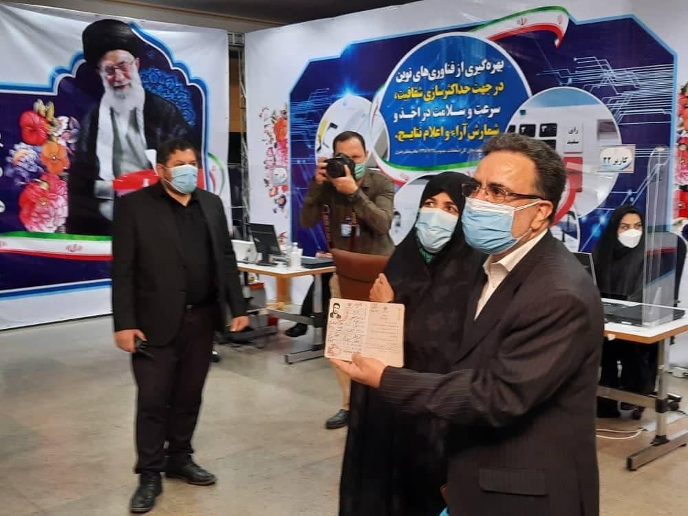 سیدمصطفی تاجزاده پس از ثبت نام کاندیداتوری ریاست جمهوری: هیچ قدرتی بالاتر از قدرت بی قدرتان نیست