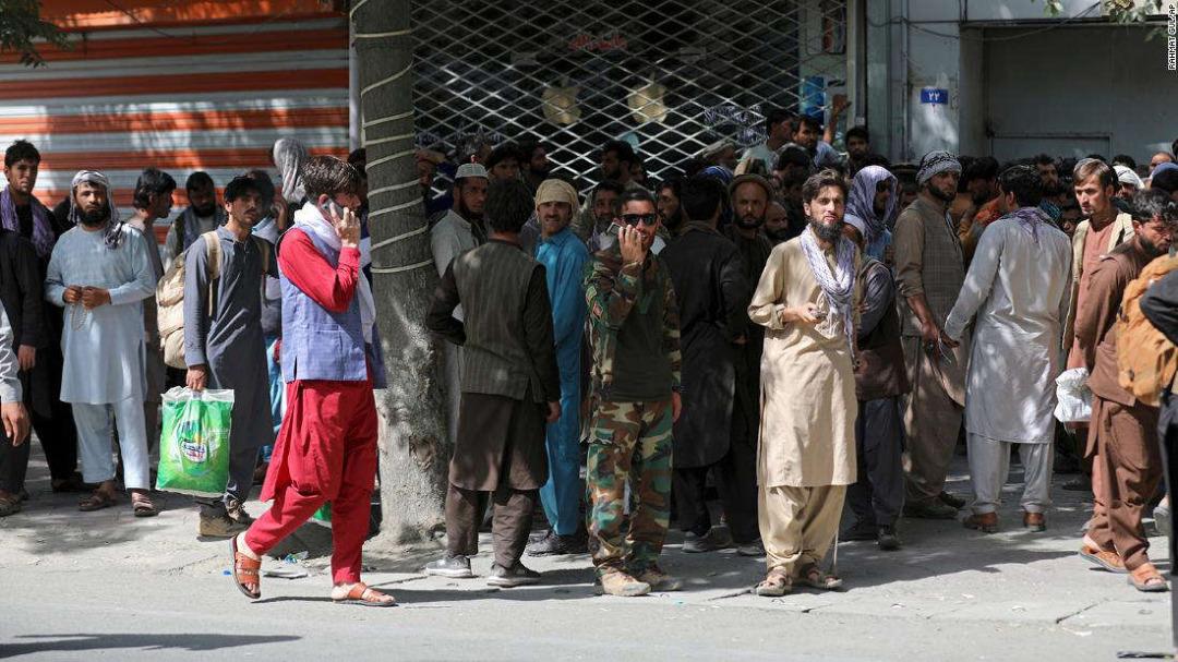 در بحبوحه قدرت گرفتن طالبان، خبرنگاران افغان کاملاً وحشتزدهاند